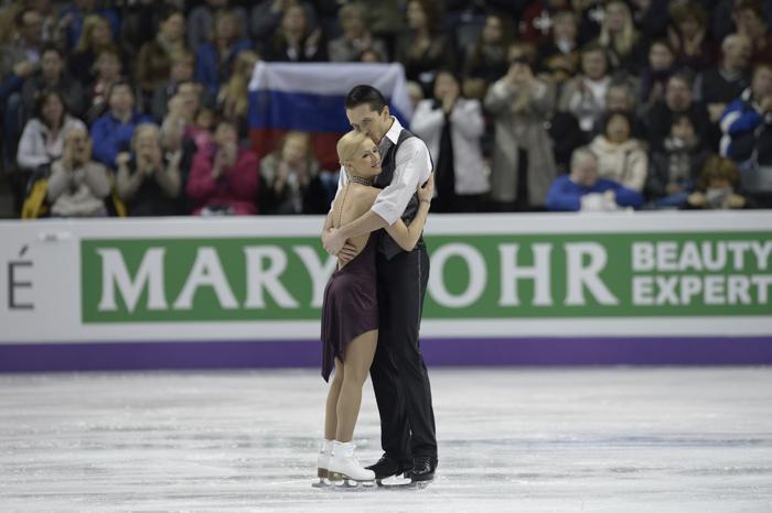 Волосожар и Траньков лидируют на чемпионате мира по фигурному катанию. Фото: BRENDAN SMIALOWSKI/AFP/Getty Images