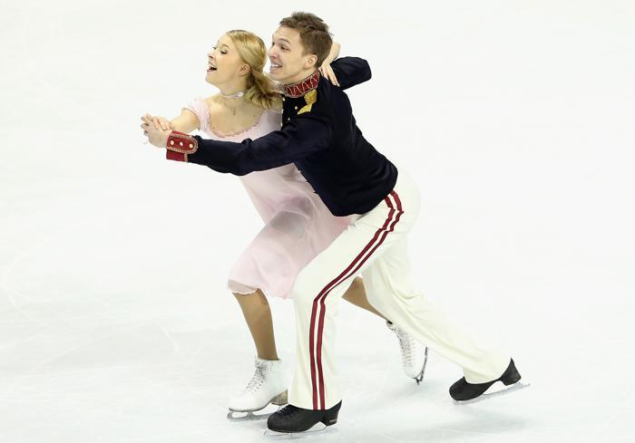 Екатерина Боброва и Дмитрий Соловьёв в короткой программе на ЧМ по фигурному в канадском Лондоне, 14 марта 2013 года. Фото: Ronald Martinez/Getty Images