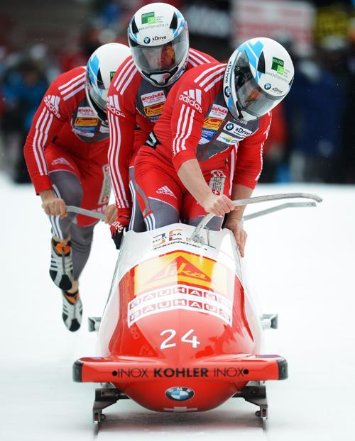 Команда Швейцарии заняла 1 место. Фото: Lars Baron/Bongarts/Getty Images