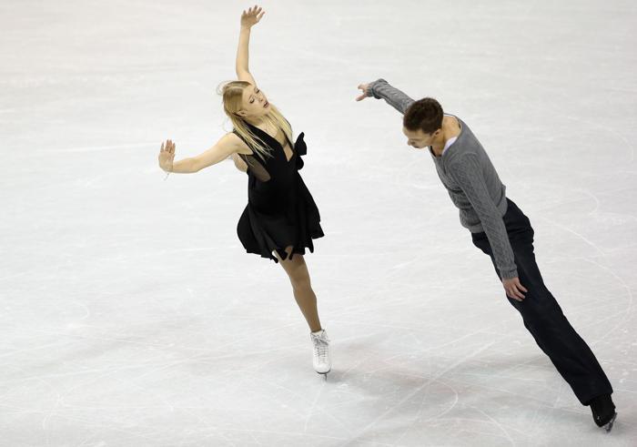 Боброва и Соловьёв завоевали «бронзу» на ЧМ по фигурному катанию. Фото:  Ronald Martinez/Getty Images