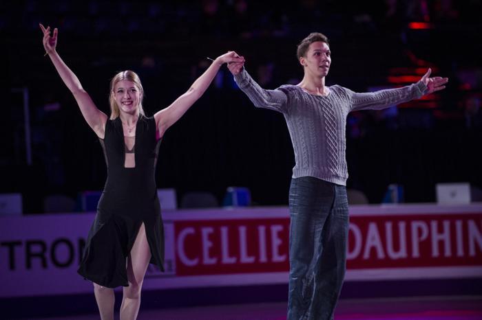 Боброва и Соловьёв завоевали «бронзу» на ЧМ по фигурному катанию. Фото: BRENDAN SMIALOWSKI/AFP/Getty Images