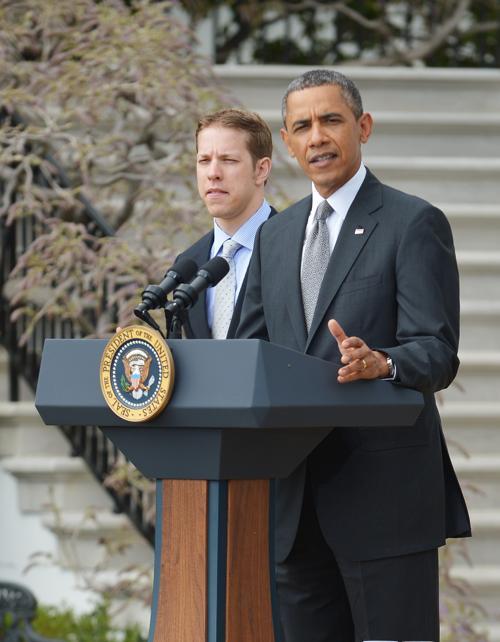 Чемпион гонки NASCAR прибыл на приём к президенту США. Фото: MANDEL NGAN/AFP/Getty Images