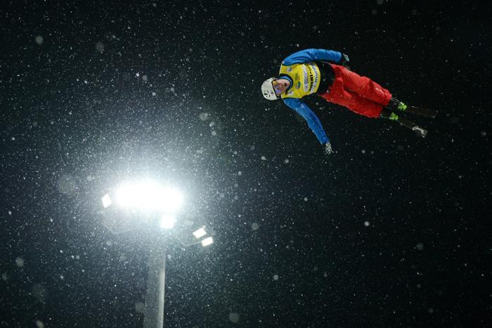 Кубок мира по фристайлу в лыжной акробатике в экстрим-парке «Розы Хутор» в Сочи. Фото: NATALIA KOLESNIKOVA/AFP/Getty Images