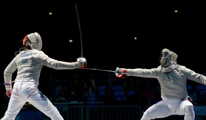 Алексей Якименко (л) встретился в финале с румыном Тибериу Дольничану. Фото: DIMITAR DILKOFF/AFP/Getty Images