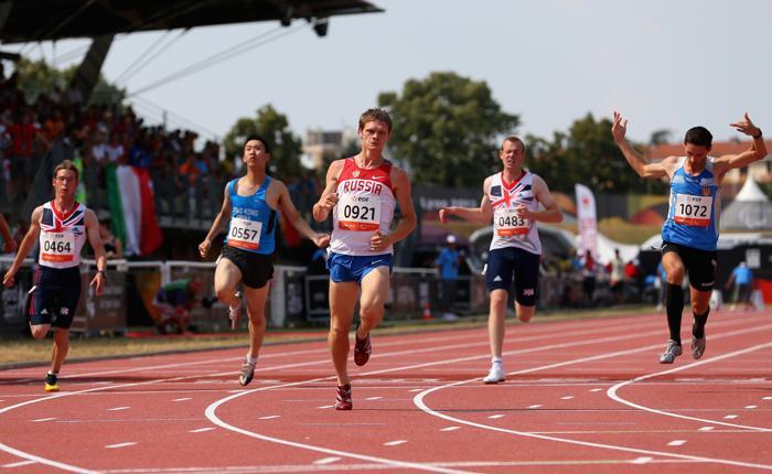 Мировой рекорд поставил Евгений Швецов на дистанции 100 метров в классе Т36 на Чемпионате мира по лёгкой атлетике во французском Лионе 23 июля 2013 года. Фото: Julian Finney/Getty Images