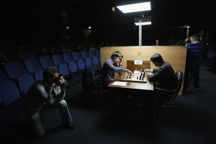 На турнире по шахматам в Лондоне. Фото: Oli Scarff/Getty Images