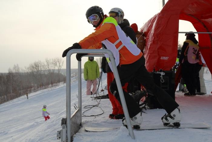 Параллельный слалом на сноуборде. Фото: Сергей Кузьмин/Великая Эпоха (The Epoch Times)