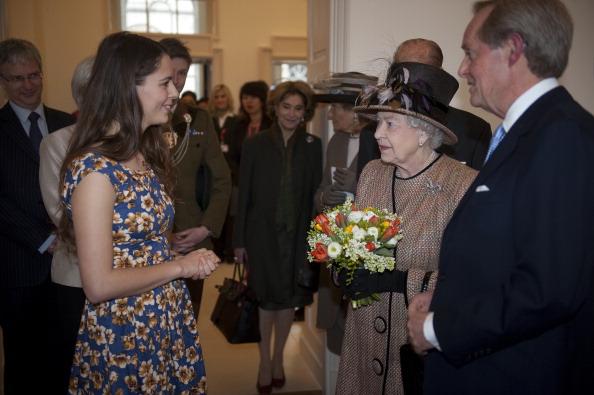 Елизавета II и принц Филипп  посетили Восточное крыло Somerset House, открывшееся после ремонта. Фоторепортаж. Фото: Eddie Mulholland - WPA Pool/Getty Images