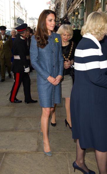 Герцогиня Кембриджская посетила в Лондоне открытие мемориальной доски в честь восстановления Пикадилли. Фоторепортаж. Фото: Jeff Spicer - WPA Pool/Getty Images