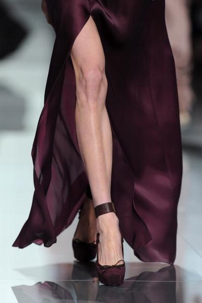 Аксессуары из коллекции Christian Dior осень-зима 2012 на показе моды в Париже. Фоторепортаж. Фото: Tullio M. Puglia/Getty Images