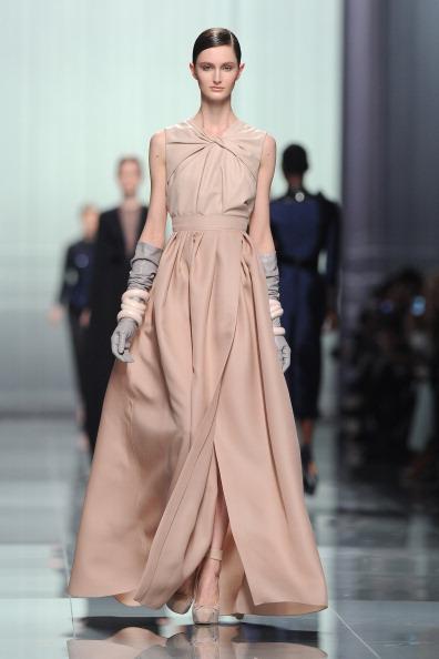 Коллекции платьев 2012 от