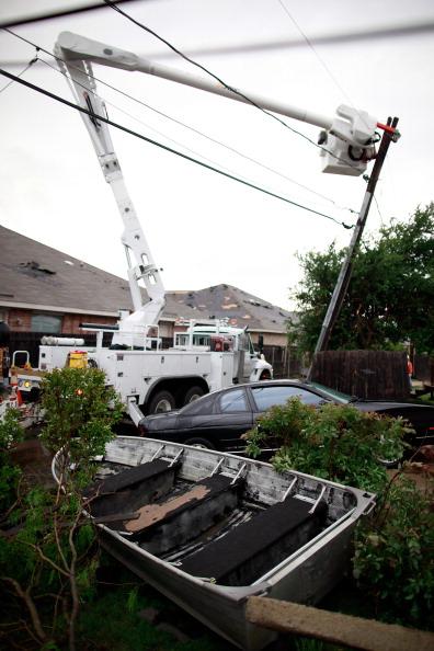 Торнадо в Техасе разрушили более 300 домов. После торнадо в Арлингтоне. Фото: Tom Pennington/Getty Images