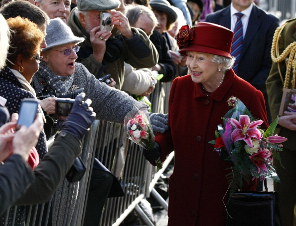Фоторепортаж  о королеве Елизавете II и герцоге Эдинбургском  в  Ливерпуле. Фото: Tim Hales - WPA Pool/Getty Images