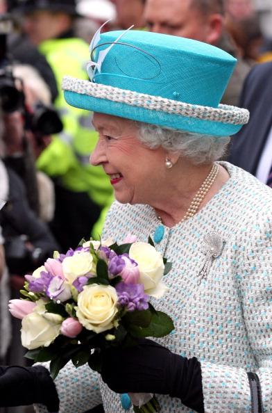 Поздравление от королевы елизаветы 92