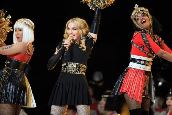 Мадонна выступила на Bridgestone Super Bowl XLVI в Индиане. Фоторепортаж.  Фото: Christopher Polk / Getty Images