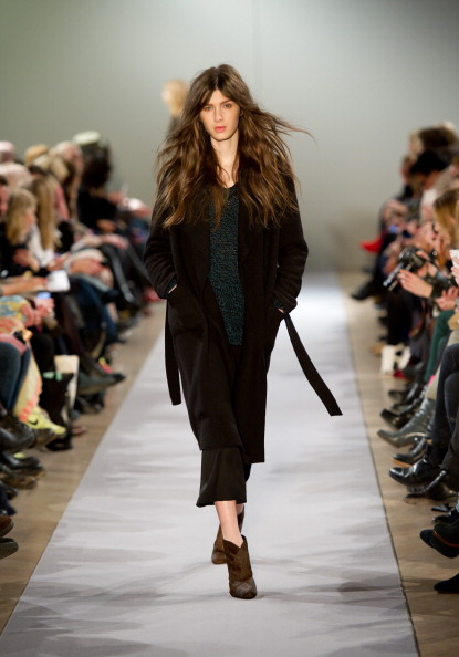 Коллекция  модной одежды от Filippa K осень-зима  2012 на неделе моды  Mercedes-Benz в Стокгольме.  Фоторепортаж. Фото:  Ian Gavan / Getty Images