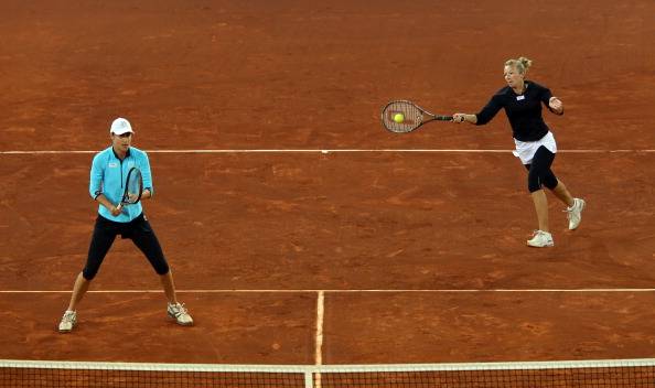 Фоторепортаж. Мария Кириленко и Виктория Азаренко стали победительницами турнира Madrid Open. Фото:  Julian Finney/Getty Images