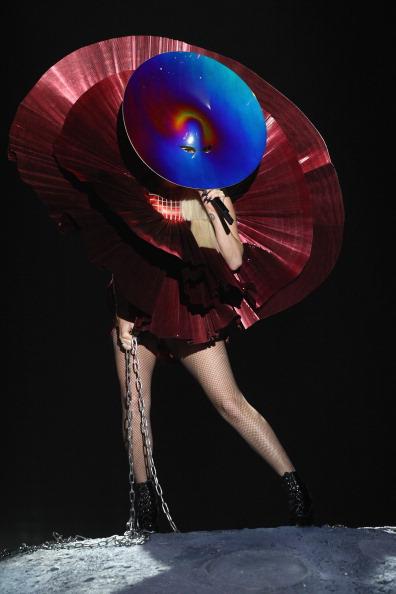 Леди Гага  на MTV Europe Music Awards 2011. Фоторепортаж из Белфаста. Фото: Gareth Cattermole/Getty Images