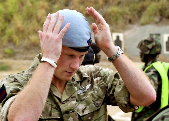 Принц Гарри на Ямайке  побывал на стрельбище ВС обороны. Фоторепортаж. Фото: John Stillwell - Pool/Getty Images