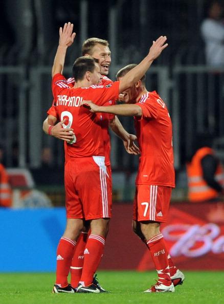 Сборная России по футболу выиграла у Словакии со счетом 0:1. Фоторепортаж с матча. Фото: SAMUEL KUBANI/AFP/Getty Images