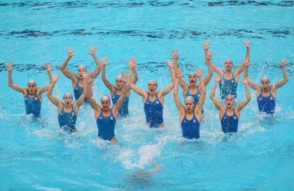 Фоторепортаж с тренировки команд по синхронному плаванию в Пекине. Фото:  Feng Li/Getty Images