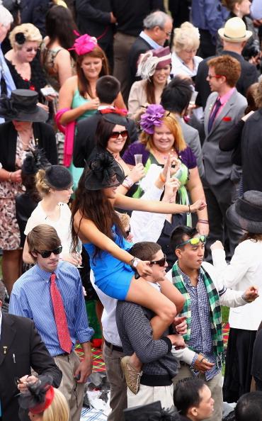 Скачки в День кубка Мельбурна.  Фоторепортаж с  ипподрома Флемингтон. Фото: Quinn Rooney/ Paul Rovere/The AGE/Fairfax Media via Getty Images