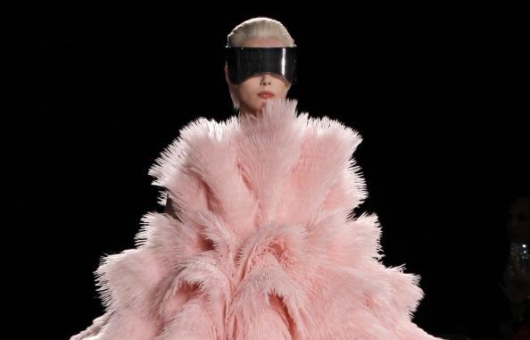 Alexander McQueen осень-зима 2012/2013 на парижской неделе моды. Фоторепортаж. Фото: FRANCOIS GUILLOT/AFP/Getty Images