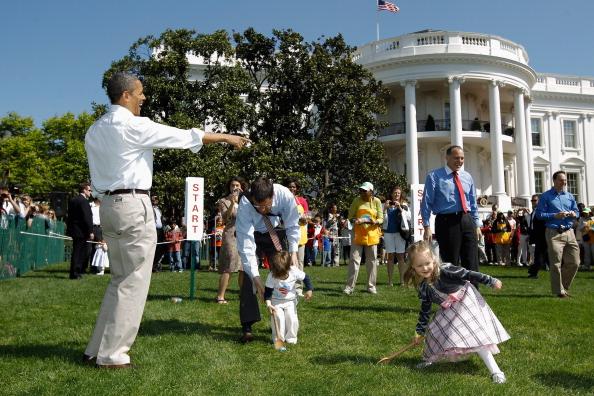 Барак и  Мишель Обама  в Белом доме организовали детский пасхальный праздник. Фоторепортаж. Фото: JIM WATSON/AFP/Getty Images