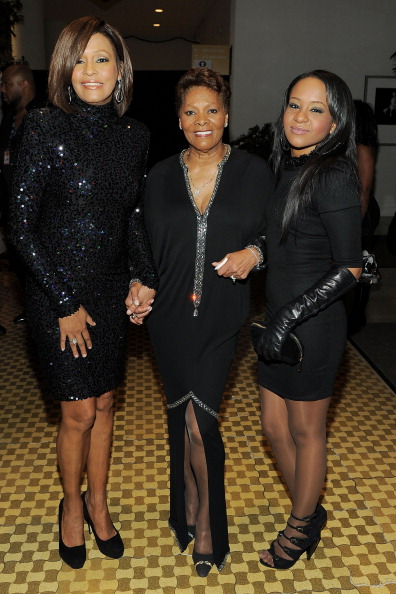 Уитни Хьюстон. (Whitney Houston, Dionne Warwick и Bobbi Kristina Brown). Фото: Getty Images