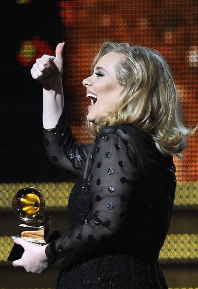 Адель — триумфатор GRAMMY Awards 2012. Фоторепортаж. Фото: Taylor Hill, Kevin Winter, JOE KLAMAR/AFP/Getty Images