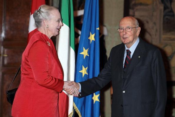 Королева Маргрете II в Палаццо дель Квиринале в Италии встретилась с президентом Джорджо Наполитано (Giorgio Napolitano). Фоторепортаж. Фото: Elisabetta Villa/Getty Images