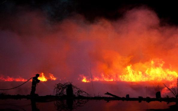 Лесные пожары бушуют в Нью-Джерси и Нью-Йорке. Фоторепортаж. Фото: Michael Bocchieri/Getty Images
