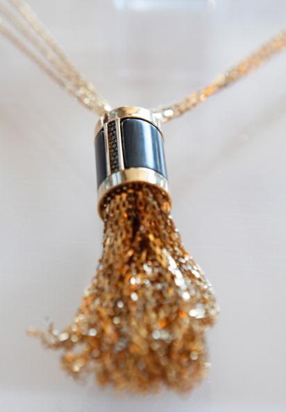 Ювелирные украшения от Kara Ross на Mercedes-Benz Fashion Week осень 2012. Фото: Amy Sussman/Getty Images