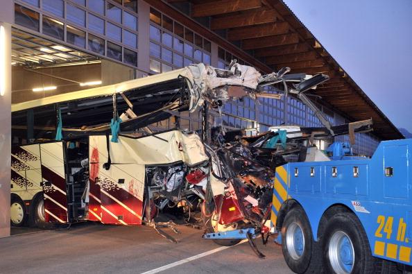 В крупном ДТП в Швейцарии погибли 28 бельгийских туристов, в том числе 22 ребенка. Фоторепортаж. Фото: SEBASTIEN FEVAL/AFP/Getty Images