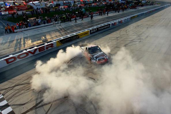 Фоторепортаж об опасных моментах на   авторалли Lucas Oil 200 на международной   скоростной трассе. Фото:  Jared C. Tilton/Nick Laham/Getty Images for NASCAR
