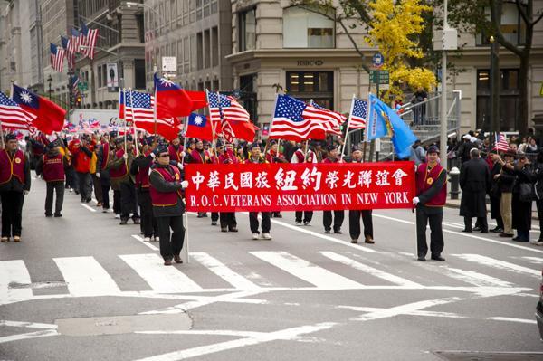 парад больших членов стал