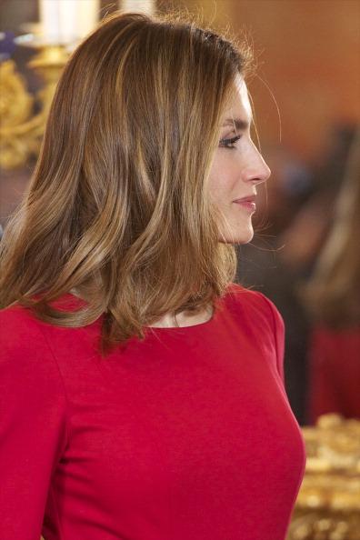 Принцесса Испании Летиция на приёме в  королевском дворце в честь вручения премии Сервантеса. Фоторепортаж. Фото: Carlos Alvarez/Getty Images