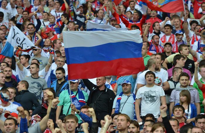 Матч второго тура Евро-2012 между сборными России и Польши состоялся в Варшаве 12 июня 2012. Фото: GABRIEL BOUYS/AFP/GettyImages)