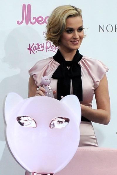 Кэти Перри на презентации своего нового аромата «Мяу!». Фото: Frazer Harrison/Getty Images