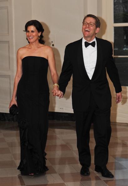 Гости на приеме в Белом доме. Jay Carney и Claire Shipman. Фоторепортаж. Фото: Brendan Hoffman, MANDEL NGAN/AFP/Getty Images