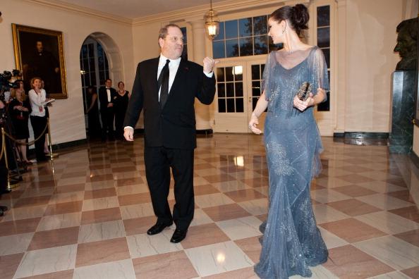 Гости на приеме в Белом доме. Georgina Chapman и Harvey Weinstei. nФоторепортаж. Фото: Brendan Hoffman, MANDEL NGAN/AFP/Getty Images