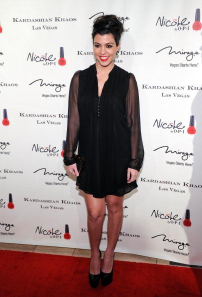 На открытии семейного бутика Kardashian Khaos в Лас-Вегасе. Кортни Кардашян. Фото: Ethan Miller/Getty Images