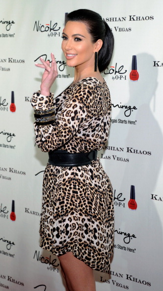 Ким Кардашян  на открытии семейного бутика Kardashian Khaos в Лас-Вегасе. Фото: Ethan Miller/Getty Images