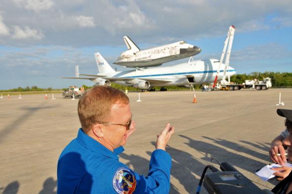 Пилот космической экспедиции STS-133 Эрик Боу ( Eric Boe) 133 в космическом центре имени Кеннеди в Кейп Канаверал, штат Флорида. Шаттл Discovery вышел на пенсию. Фоторепортаж. Фото: Roberto Gonzalez/Getty Images