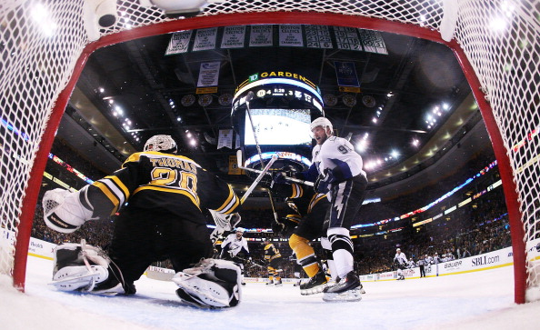 «Бостон» выиграл у «Тампа-Бэй» ответный  матч серии плей-офф со счетом  6:5. Фоторепортаж с матча. Фото: Steve Babineau /Brian Babineau /Bruce Bennett /Jim Rogash/Getty Images
