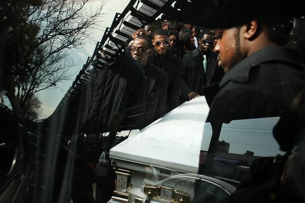 На похороны Уитни Хьюстон прибыли высокие гости  и родственники. Фоторепортаж. Фото: Paul Zimmerman/Getty Images