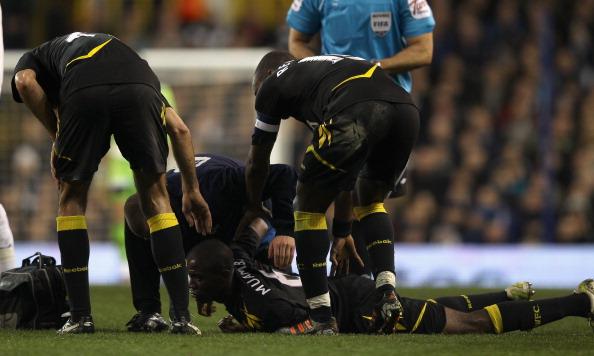 Футболист «Болтона» Муамба, потерял во время матча сознание. Фоторепортаж. Фото: Richard Heathcote/Getty Images