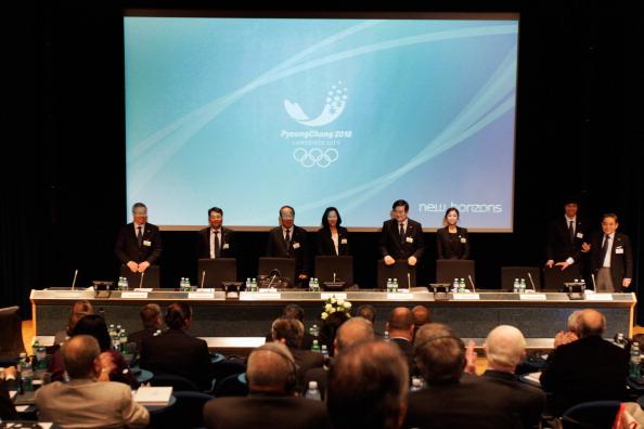 Фоторепортаж с брифинга представителей городов-претендентов на проведение Олимпийских игр в 2018 году. Фото: Alex Grimm/Bongarts/Getty Images
