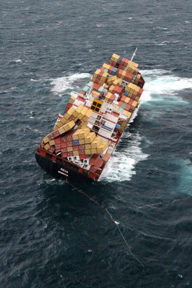 Фоторепортаж об экологической катастрофе на побережье Новой Зеландии. Фото:  Maritime New Zealand via Getty Images