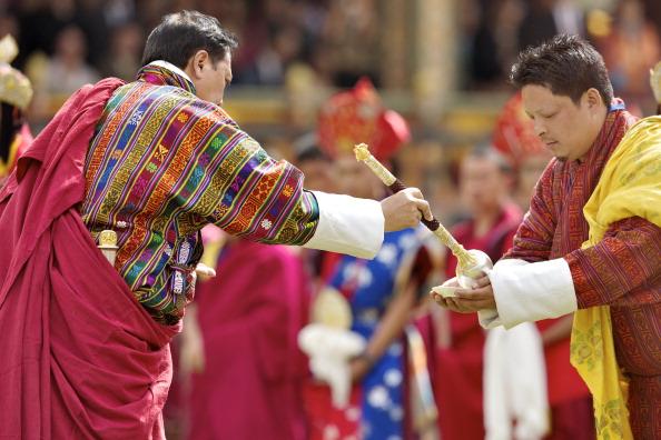 Королевская свадьба в Бутане завершилась торжествами на стадионе. Фоторепортаж из Тхимпху. Фото: Triston Yeo/Getty Images